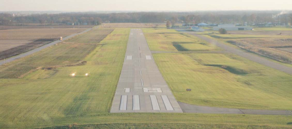 Jasper County Airport Runway 18 Approach (Image Credit: B. Cozza)